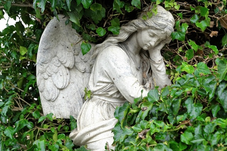 angel funeral death