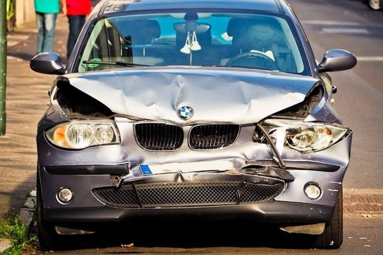 4 Social Media Tips for Car Accident Victims